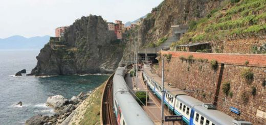 Station Train Manarola