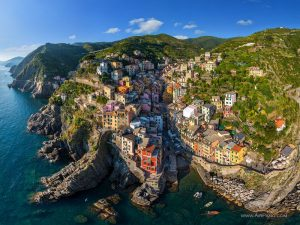 5 reasons why you should visit Cinque Terre